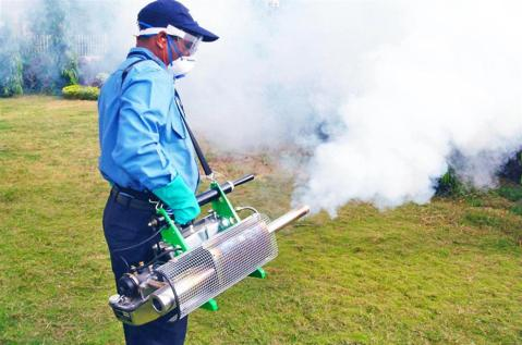 IGEBA TF34 Pulse Jet Thermal Fogger In Use 1